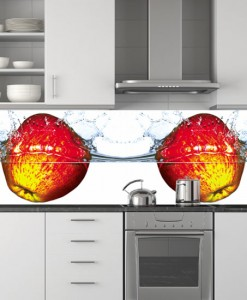 Tapeta dwa jabłuszka w wodzie