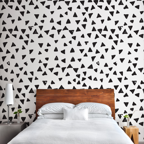 Tapeta Za łóżkiem W Sypialni Zawsze Modnym Dodatkiem