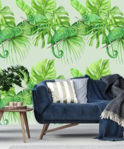 Dekoracja z kameleonami na tle tropikalnych liści