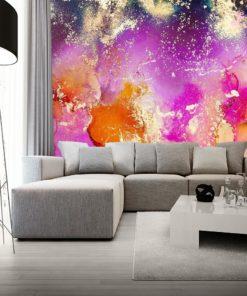 szara sofa z kolorwą akwarelową fototapetą