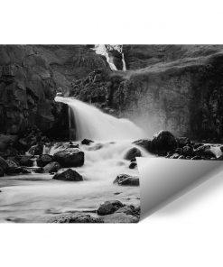 Fototapeta z wodospadem między skałami do salonu